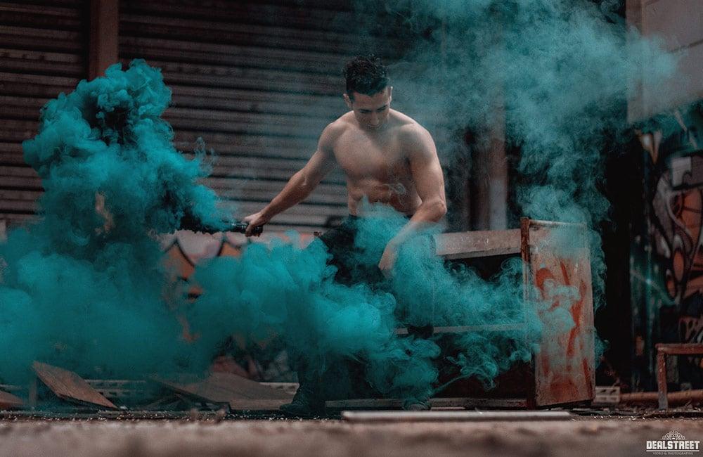 Photographie - fumigène urbex